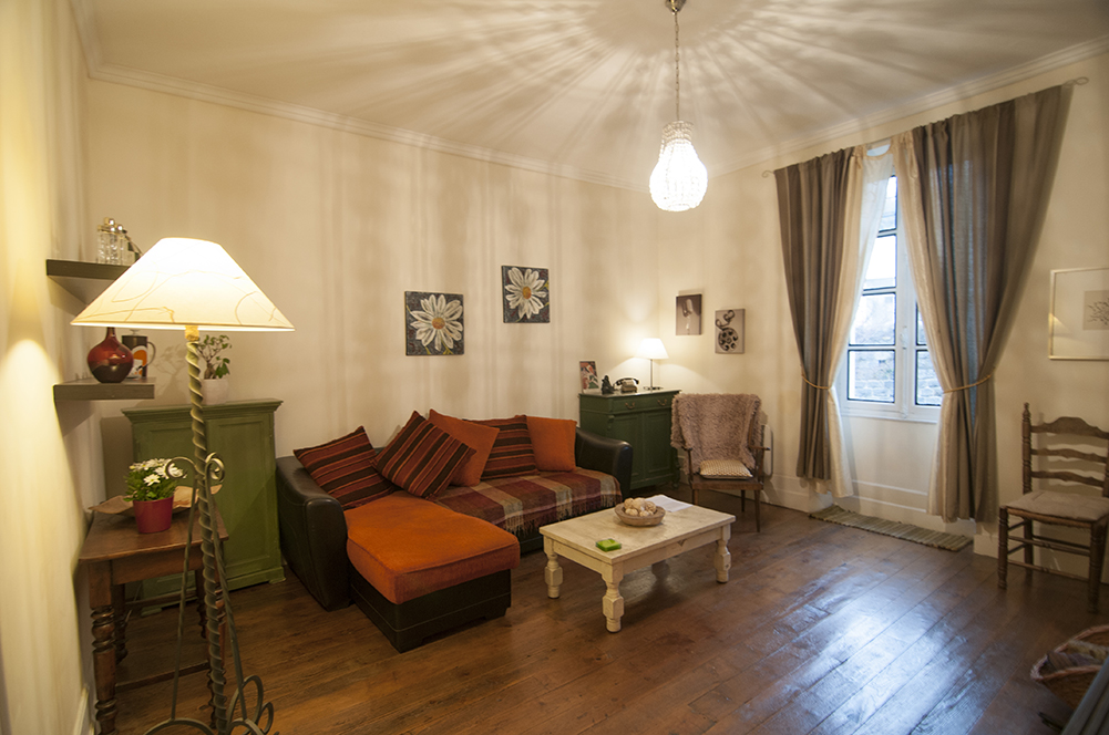 Sirach apartment sitting room
